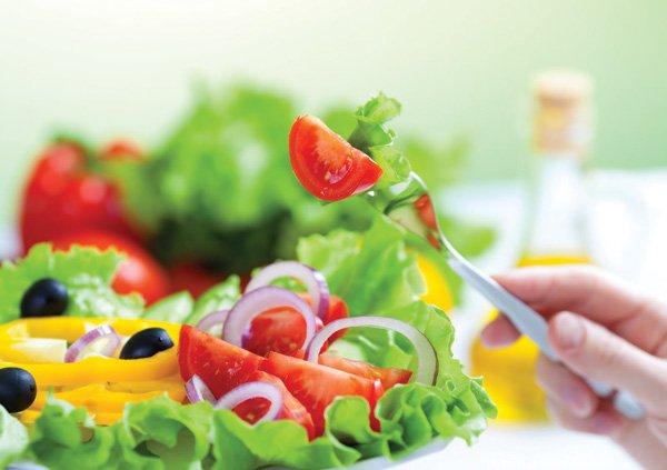 Chọn thực phẩm tươi thay vì các món ăn mặn
